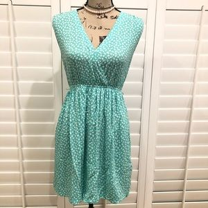 Forever 21 Blue/White Floral Dress Size Small